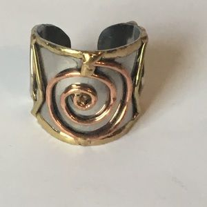 Jewelry - Unique wrap ring